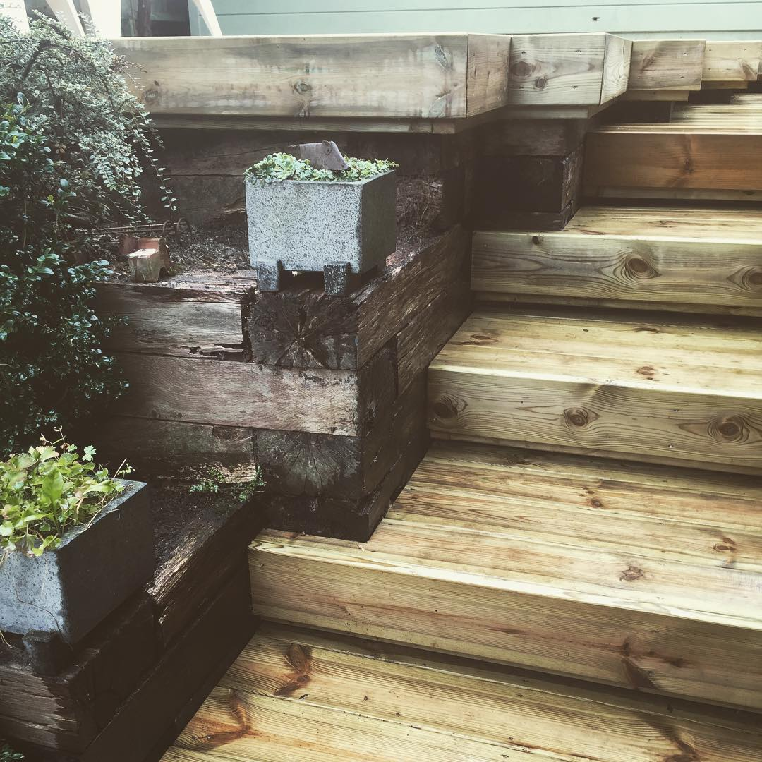 Box Clad - Mayfield Floating Deck